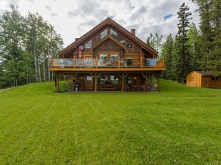 Bragg Creek Bed & Breakfast - Bright, Cozy 1Bdrm B&B in West Bragg Creek