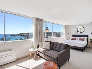Coastal chic designer beach apartment