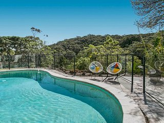 Private and Peaceful Family retreat with pool