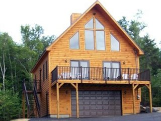 Beautiful cabin w/ modern amenities, furnished deck, and spectacular lake view