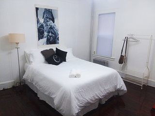 Sunny Private Bedroom in the Heart of East Flatbush