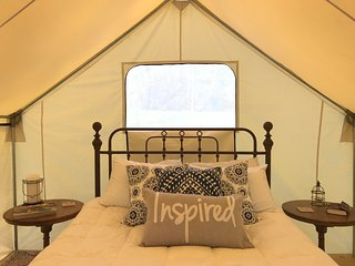 Smoky Mountain Glamping NC - Creekside Tent