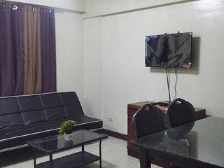 2BR Midrise Condo in Taguig nr Acacia Estates/BGC