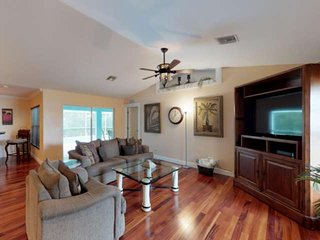 Relax & Refresh! SW Cape Coral Heated Pool Home, Quiet Neighborhood, Free WiFi,
