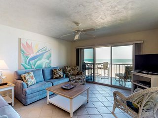 Oceanfront gem with shared sauna, pool, and direct beach access