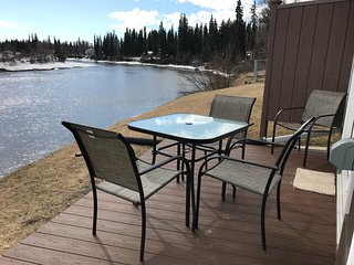Luxury Home On The Chena River - River Suite