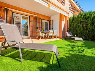 2BR Apartment with Garden in Club La Costa World