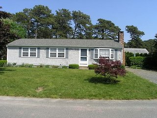 Well-maintained three bedroom home, .6 miles to Haigis beach