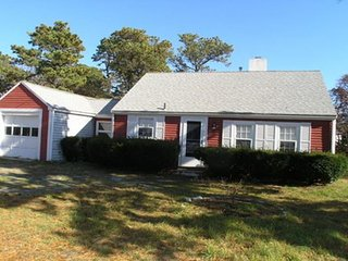 Two bedroom cottage one quarter mile to Pleasant Road Beach