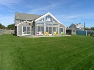 Oceanfront five bedroom home with access to shared/private beach