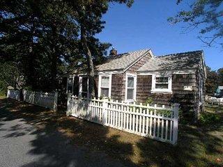 Three bedroom home less than 500 feet to Sea Street Beach