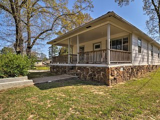 Home w/Porch & Water Views - Walk to Greers Ferry!