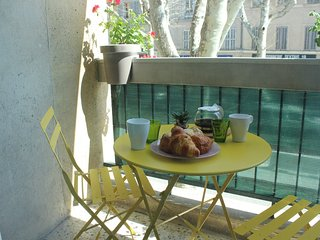 Cosy 1-bedroom apartment very bright in the very center of Aix WiFi TV lift