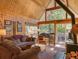 Icicle Riverhaus...A Cozy Cabin On The Icicle River Just Minutes From Leavenwort