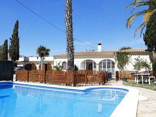 Maison de plain-pied, bord de mer avec piscine 7 couchages