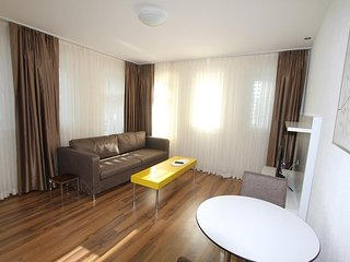 ZURICH 2 ROOM LUXURY APARTMENT