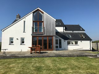 Stunning modern, fully equipped, house on the beautiful Gower peninsula.