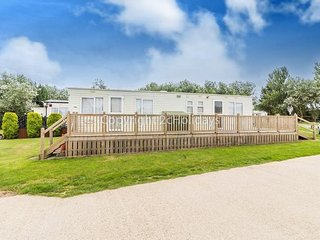 6 Berth caravan in Broadland Sands Holiday Park, Corton Ref 20386