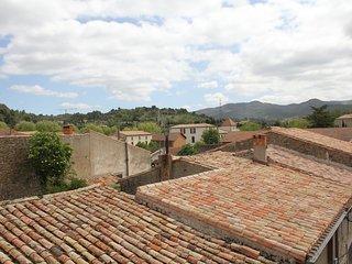 Carcassonne. Jolie maison de village à proximité..