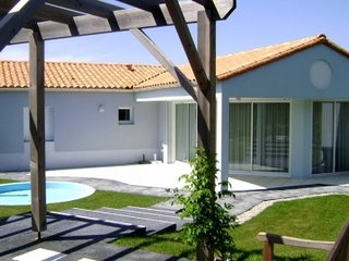 2 bedroom Villa in Les Sables-d'Olonne, Pays de la Loire, France : ref 5456752