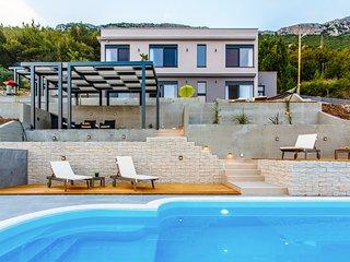 4 bedroom Villa in Stari Stafilic, Splitsko-Dalmatinska Zupanija, Croatia : ref