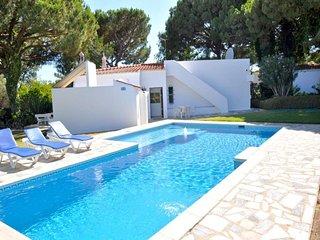 2 bedroom Villa in Vilamoura, Faro, Portugal : ref 5455965
