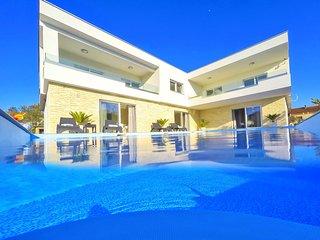 Luxury apartment 2 with swimming pool- Adriatic Luxury Villas W87