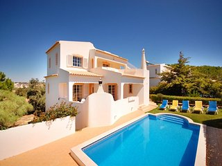 4 bedroom Villa in Galé, Faro, Portugal : ref 5454951