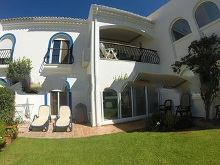 2 bedroom Apartment in Vale do Garrao, Faro, Portugal : ref 5000261
