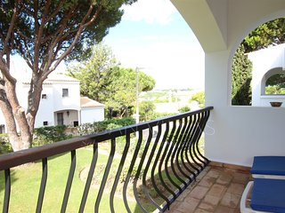 2 bedroom Apartment in Vale do Garrao, Faro, Portugal : ref 5489464