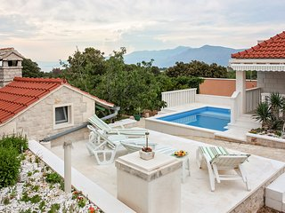 2 bedroom Villa in Pučišća, Splitsko-Dalmatinska Županija, Croatia : ref 5611699