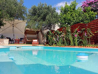 3 bedroom Villa with Air Con, WiFi and Walk to Beach & Shops - 5611690