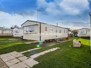 8 Berth caravan in Broadland Sands Holiday Park, Corton Ref 20268