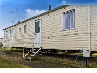 8 berth caravan in Caister Haven Holiday Park. In Great Yarmouth. REF 30123