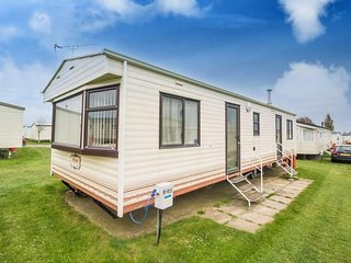8 berth caravan at California Cliffs Holiday Park, in Scratby. REF 50004aE