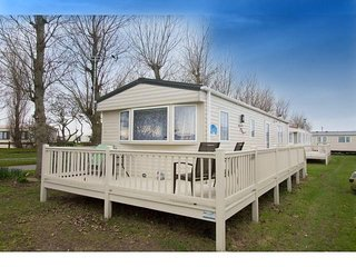 6 Berth Caravan in California Cliffs Holiday Park, Scratby Ref: 50013 Lapwing