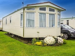 6 berth caravan at California Cliffs Holiday Park, in Scratby. REF 50027H