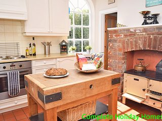 Cambrian House - a 4 bedroom detached Victorian House sleeping 10 (+3)