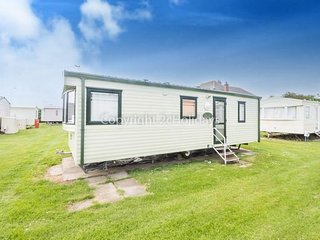 6 Berth Caravan in California Cliffs Holiday Park, Scratby Ref: 50030 Heron