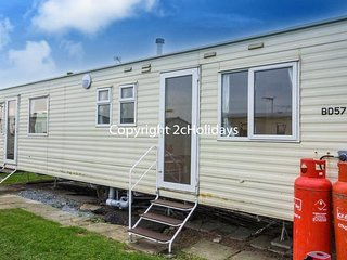 8 Berth Caravan in California Cliffs Holiday Park, Scratby Ref: 50052 Grouse