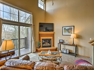 NEW! Cozy Frisco Condo w/Hot Tub - Mins to Skiing!