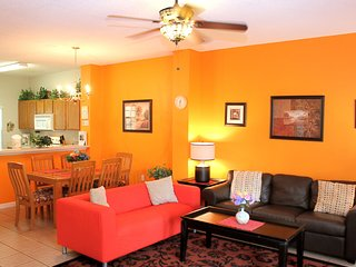 Luxury Townhome at Emerald Island Resort near Disney Orlando/ Kissimmee