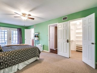 COZY MANOR- PRIVATE ROOM & BATH, QUIET SUBDIVISION