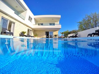 Luxury apartment 4 with swimming pool- Adriatic Luxury Villas W89