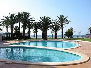Apartamento en 1ª linea de mar con piscina Roses Costa Brava RHC 2212