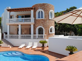 Catalunya Casas: Villa Carbo for 6 with a private pool and sea views, just 1km t