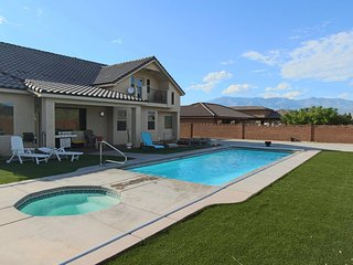 Sand Castle-Private Pool and Great For Families!