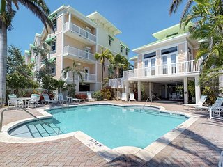 NEW LISTING! Ocean-view condo w/shared pool & hot tub, town & beach nearby