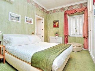 Modern Luxury in heart of Rome! 2BR ★ Sleeps 8 ★