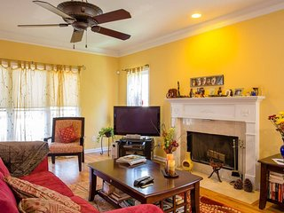 Atlanta Manna - Sleeps 8 - Modern, Cozy 3BR Home!